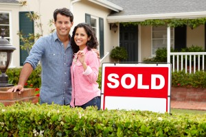 couplebuyinghome 300x200 Say Goodbye to Collecting Pay Stubs as Criteria for Getting a Mortgage