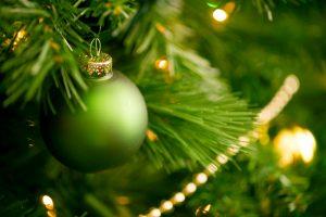 choosing christmas trees 300x200 Choosing Christmas Trees: Real vs. Artificial