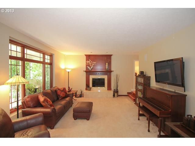 13302325 4 FEATURED LISTING  3500 Aspen Way, Newberg, Or 97132