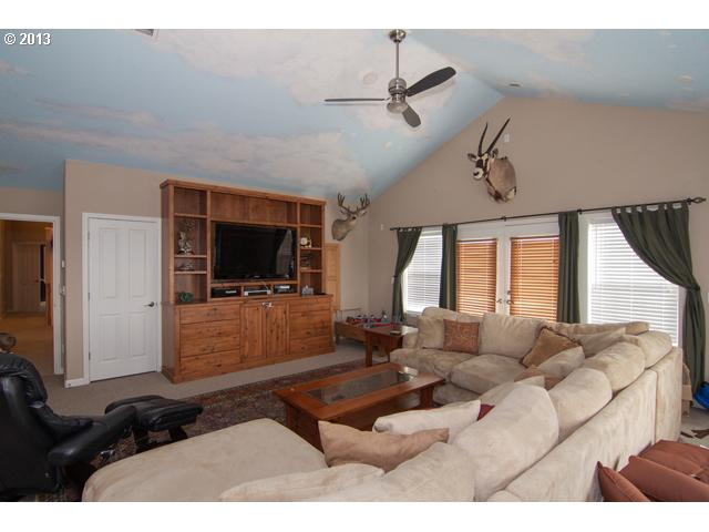 13379858 9 FEATURED LISTING  681 NW Morning View Ct, McMinnville, Or 97128
