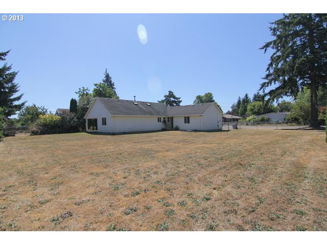 13572841 14 FEATURED LISTING  405 7th St, Dayton, OR 97114