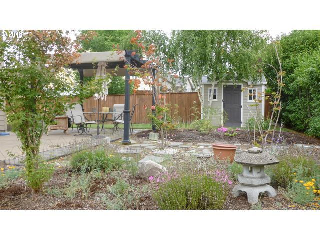 13202141 16 FEATURED LISTING  2400 NW Horizon Dr, McMinnville, OR 97128