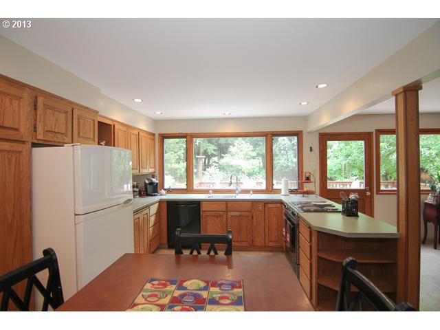 13302325 6 FEATURED LISTING  3500 Aspen Way, Newberg, OR 97132
