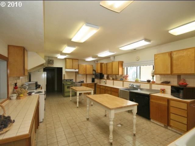 10062494 5 FEATURED LISTING  15504 NW Willis Rd. McMinnville, Or 97128
