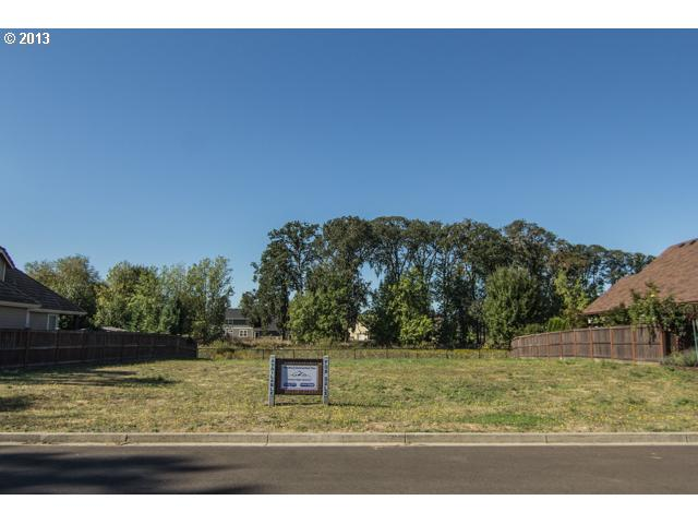 13582239 1 FEATURED LISTING  1658 NW Medinah, McMinnville, OR 97128