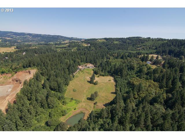 13463762 1 FEATURED LISTING  32520 NE Corral Creek Rd, Newberg, Or 97132