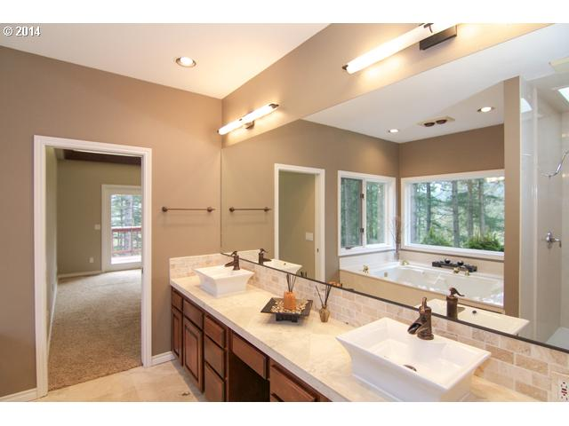 14485074 7 FEATURED LISTING  18205 SW Corral Creek Rd, Newberg, OR 97132