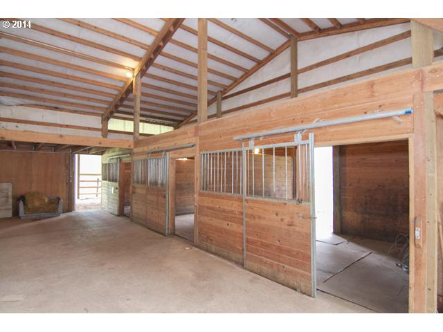 14485074 13 FEATURED LISTING  18205 SW Corral Creek Rd, Newberg, OR 97132