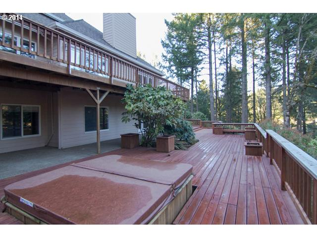 14485074 16 FEATURED LISTING  18205 SW Corral Creek Rd, Newberg, OR 97132