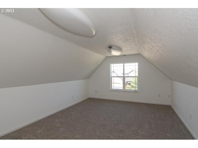 12631882 12 FEATURED LISTING 1800 NE Lucy Belle Dr, McMinnville, Or 97128