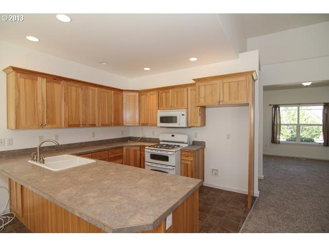 12631882 8 FEATURED LISTING 1800 NE Lucy Belle Dr, McMinnville, Or 97128