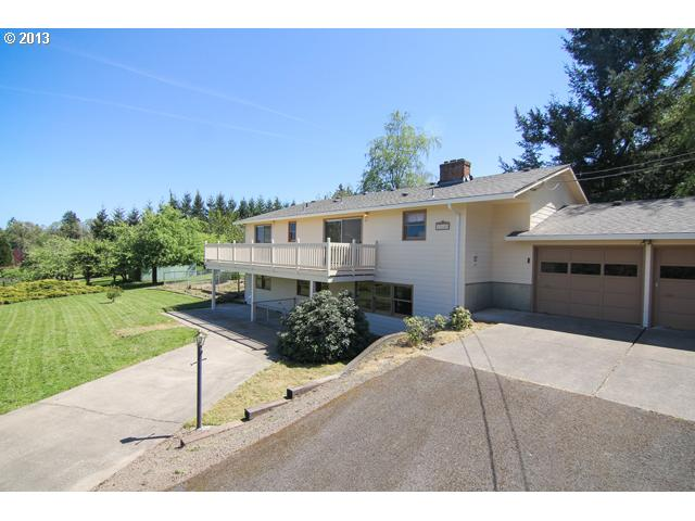 13334077 21 FEATURED LISTING  22640 NE Ilafern, Dundee, Or 97115