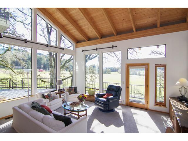 14507017 5 NEW LISTING  19300 SW Meadow View Dr. McMinnville, Or 97128