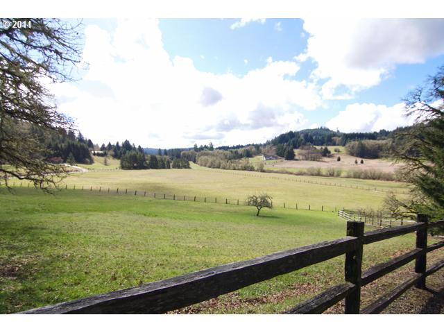 14507017 15 NEW LISTING  19300 SW Meadow View Dr. McMinnville, Or 97128