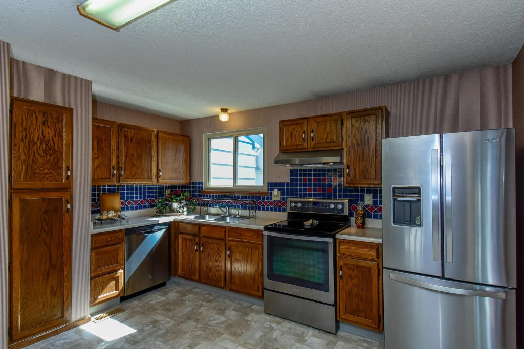 7968 South Johnson Ct-large-008-20-Kitchen-1499x1000-72dpi
